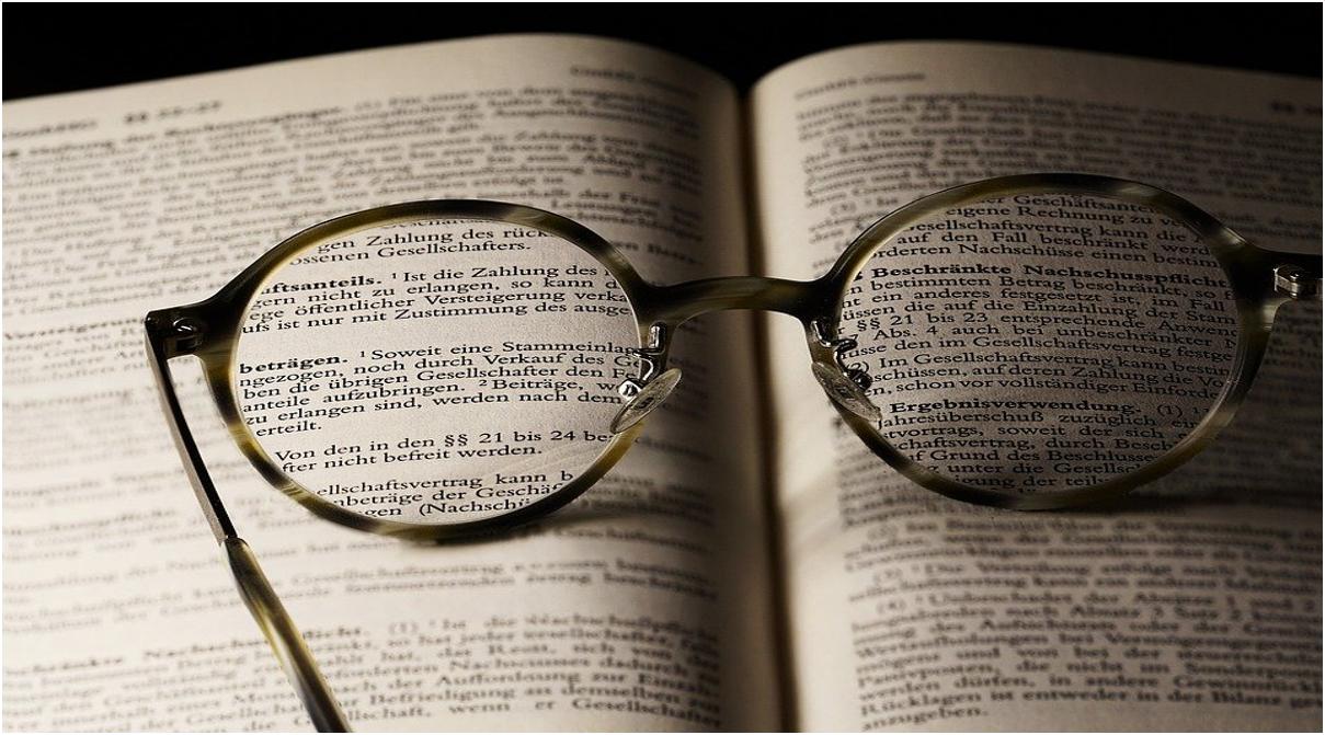 Le principali figure retoriche del linguaggio poetico: allitterazione, chiasmo, endiadi, enjambement, anafora