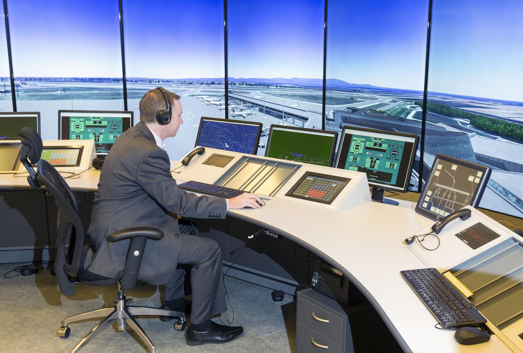 Controllore traffico aereo