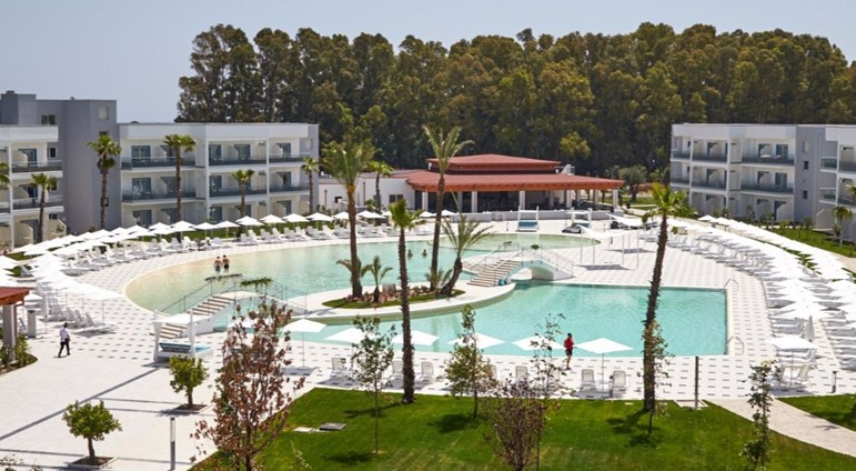 Calabria, nasce un nuovo resort di lusso per 100 posti di lavoro